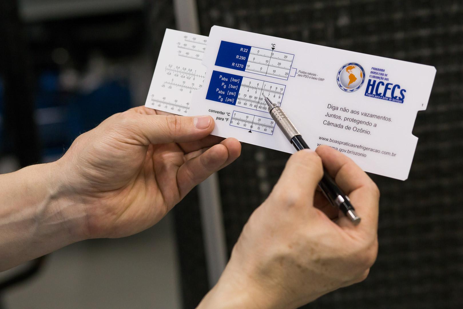 Mais de nove mil alunos de cursos RAC receberão réguas técnicas para fluidos frigoríficos