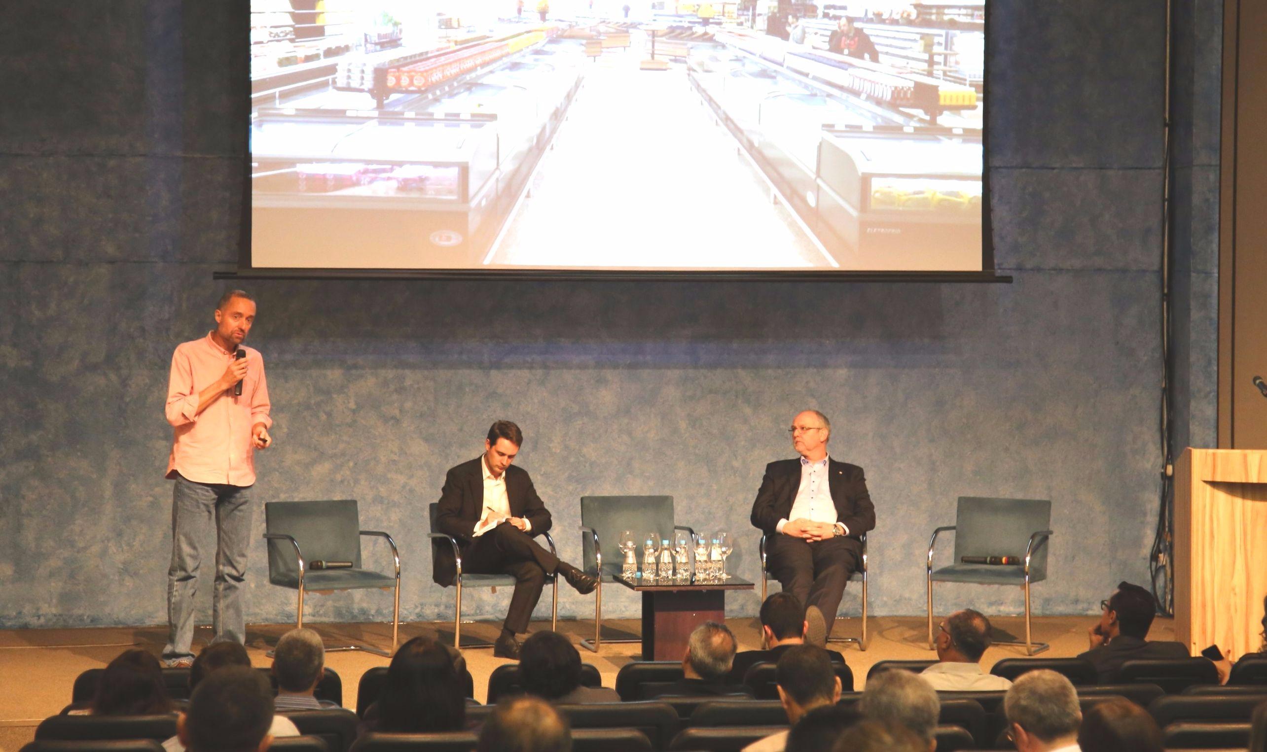 Seminário com especialistas aborda substituição dos HCFCs nos supermercados